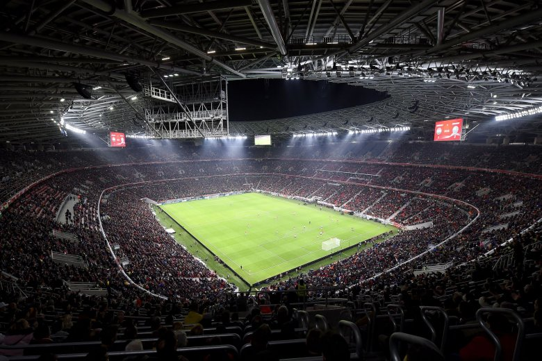 Eldöntötte az UEFA: nézők előtt rendezik a foci-Eb mérkőzéseit, Budapest célja a telt ház