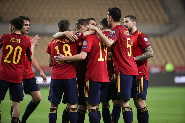 Pályán a spanyolok a foci Eb-n – hétfői sportműsor a tévében
