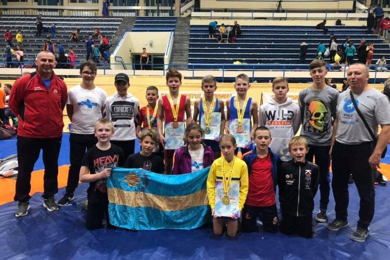 Hét bajnoki érmet nyertek a fiatal udvarhelyi birkózók