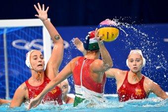 Csak a szokásos: elbukta az olimpiai elődöntőt, bronzéremért játszhat a női vízilabda-válogatott