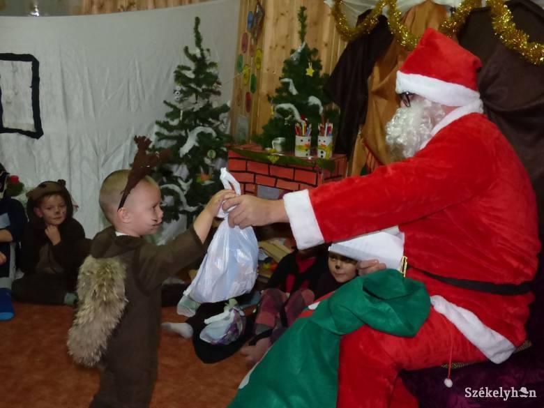 Jön a Mikulás! - Erdély-szerte szerveznek ajándékosztást, szórakozató programokat december 5-én