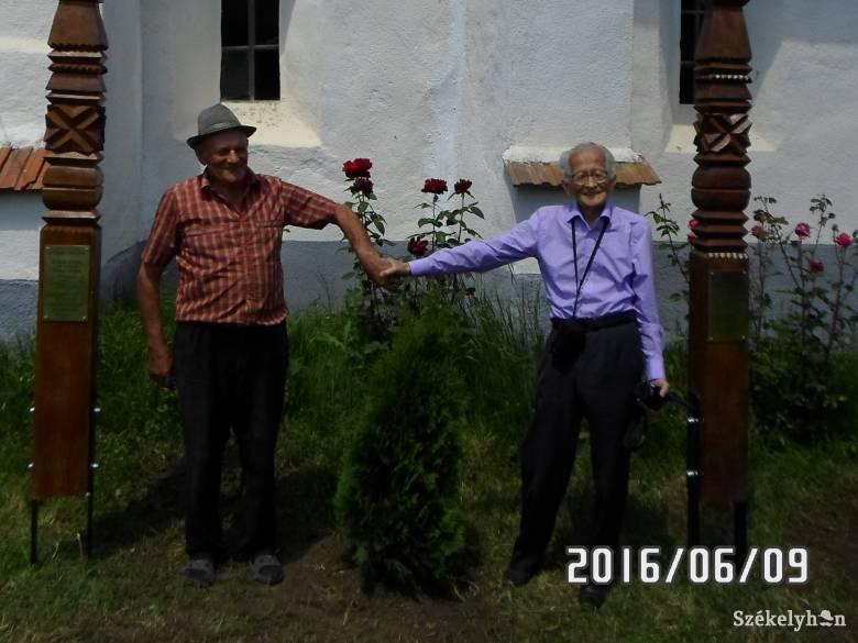 A Bolyaiak emlékére állítanak kopjafát Magyarsülyében