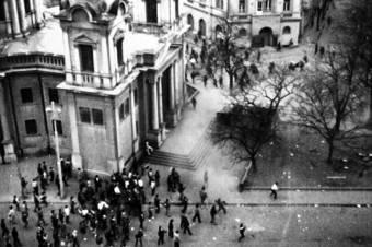 """""""Iliescu is csak egy bábfigura volt"""" – A forradalom megtorlói intézték a fekete márciust"""