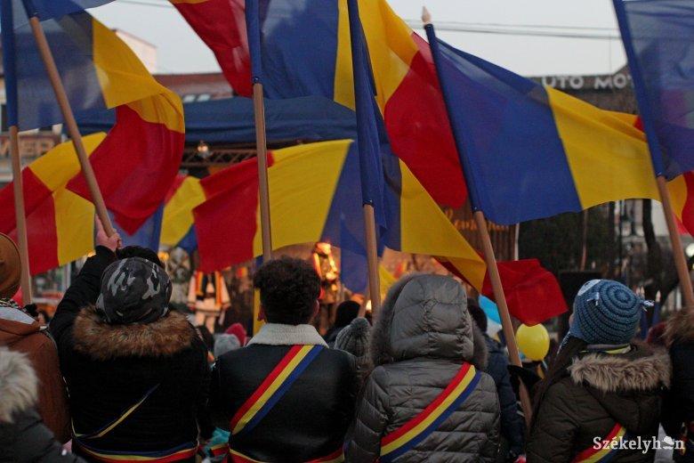 """Tüntetnek, hogy """"ne legyen a második hivatalos nyelv a magyar Romániában"""""""
