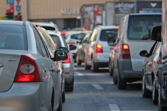 Két sürgős intézkedés, hogy a diákok több mint felét ne autóval vigyék iskolába