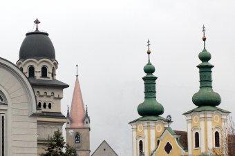 Az egyházakat is bevonnák a koronavírus elleni oltási kampányba