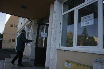Elemzők a Krónikának az érdektelenségbe fulladt népszavazásról: más gondjai vannak az embereknek