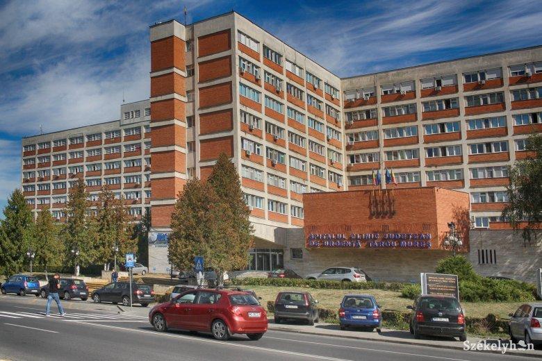 Eltérőek az álláspontok a kórházi személyzet viselkedésével kapcsolatosan