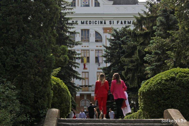 Titokban átnevezték a marosvásárhelyi orvosi egyetemet