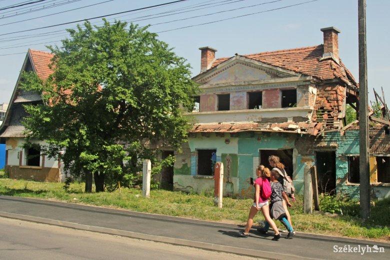 Soós Zoltán szerint kényszeríteni kell Marosvásárhely polgármesterét, hogy lépjen az épületek megmentéséért