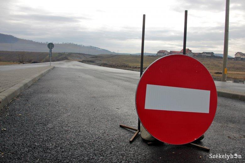 Holtpontról kimozdított Maros megyei terelőúttervek