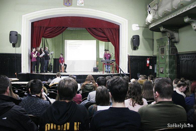 Marosvásárhelyen vetélkedtek az erdélyi és partiumi református kollégiumok