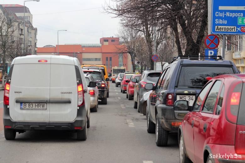 """Csak """"szemkiszúrás"""" a referenciaár a kötelező gépjármű-biztosítások piacán"""