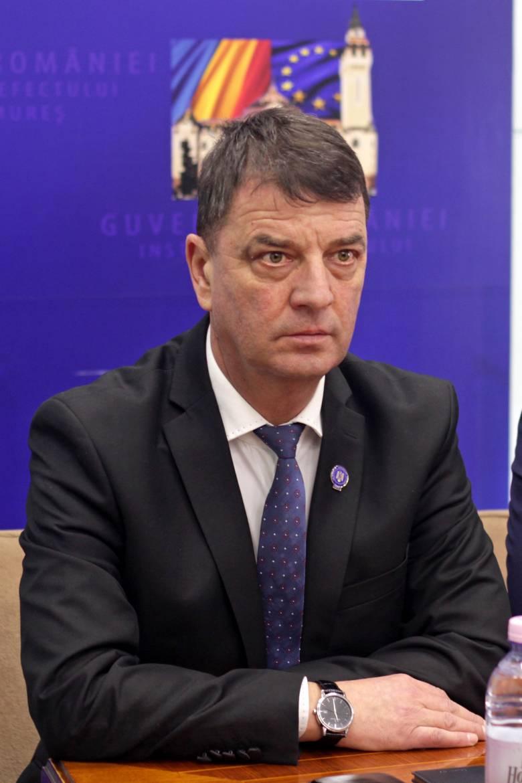 Leváltják Lucian Gogát a Maros megyei prefektúra éléről, Sorin Lazăr lesz az új prefektus