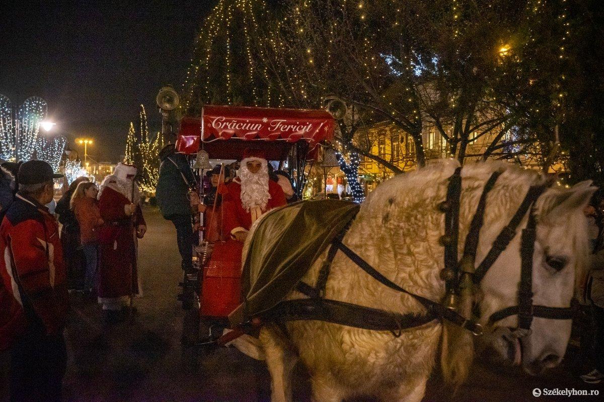 https://media.szekelyhon.ro/pictures/vasarhely/aktualis/2019/01_december/o_vilagitas_foter_15_hv.jpg