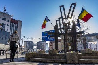 Visszahelyezték a győzelem szimbólumát Marosvásárhelyen