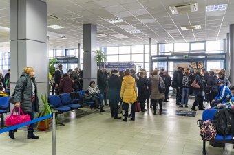 Napelemek segítségével fűtik ki a jövőben a marosvásárhelyi repülőteret