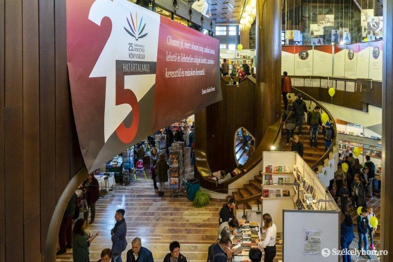 Könyvbarátok találkozóhelyévé vált Marosvásárhely