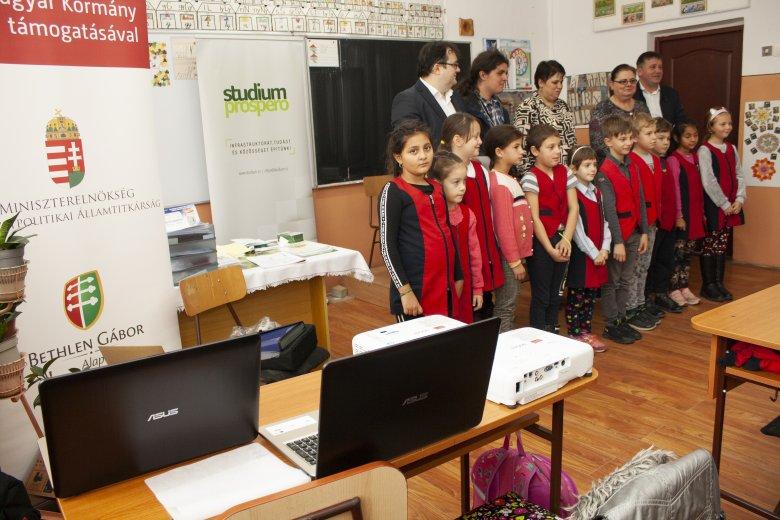 Modern oktatási eszközöket kapott egy marosvásárhelyi iskola