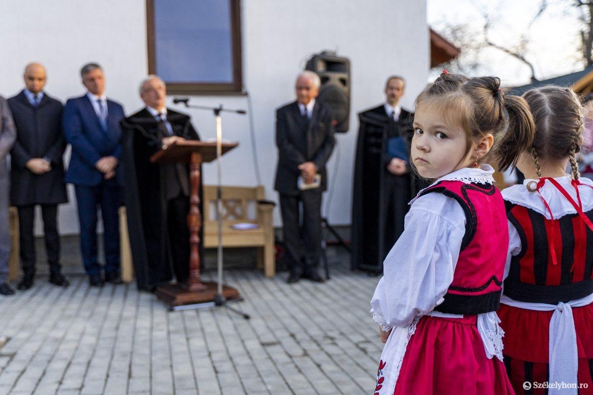 https://media.szekelyhon.ro/pictures/vasarhely/aktualis/2019/02_november/o_backa_ovoda_06_hv.jpg