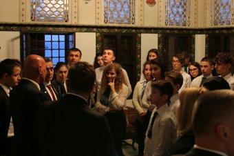 Rákóczi-hagyományt ápoltak Rodostóban a katolikus gimnázium diákjai</h2>
