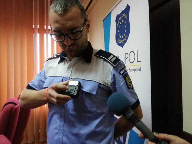 Elejét veszik a megvesztegetéseknek – testkamerával igazoltatnak a Maros megyei rendőrök