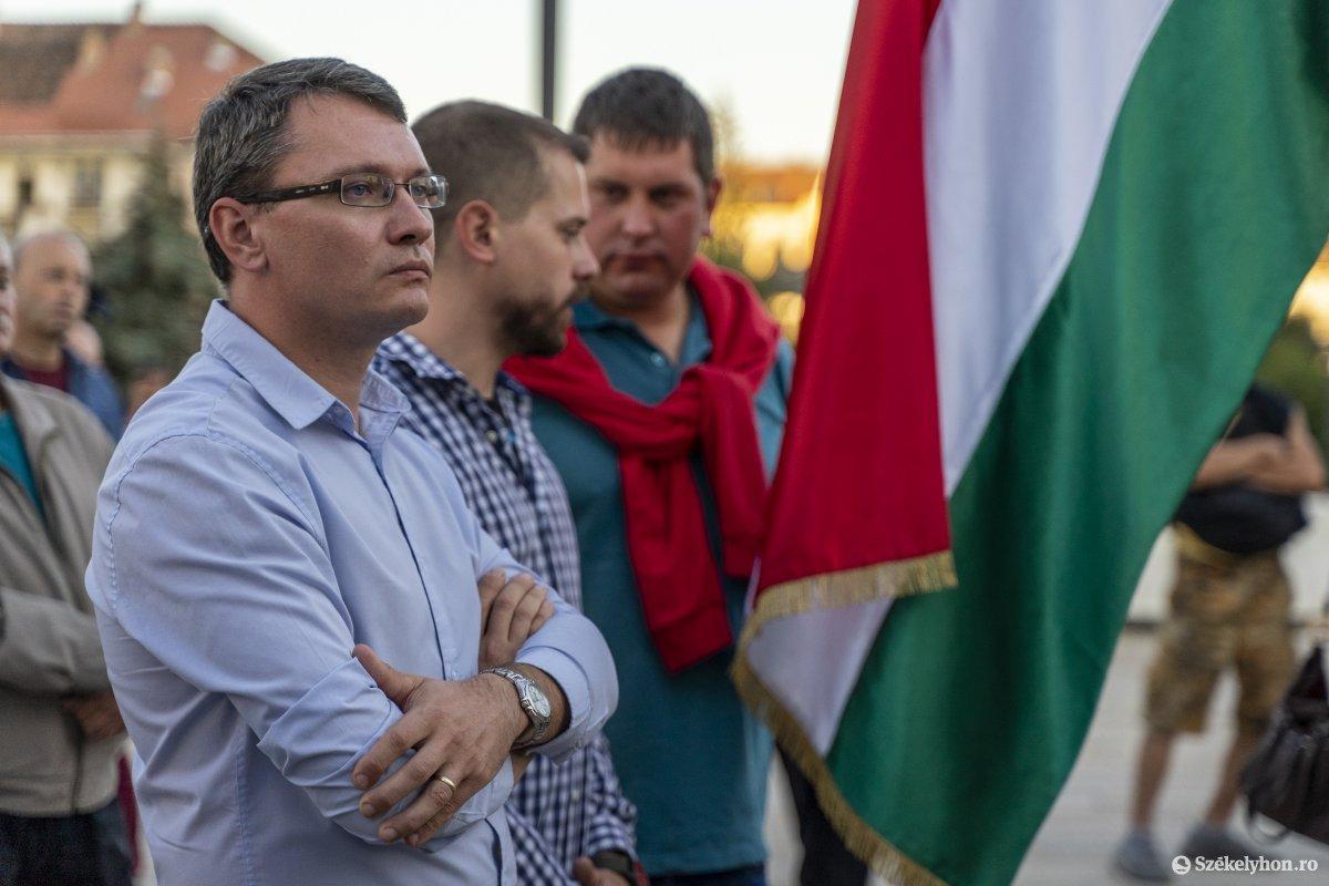 https://media.szekelyhon.ro/pictures/vasarhely/aktualis/2019/03_oktober/o_nebantsd_a_magyart_16_hv.jpg