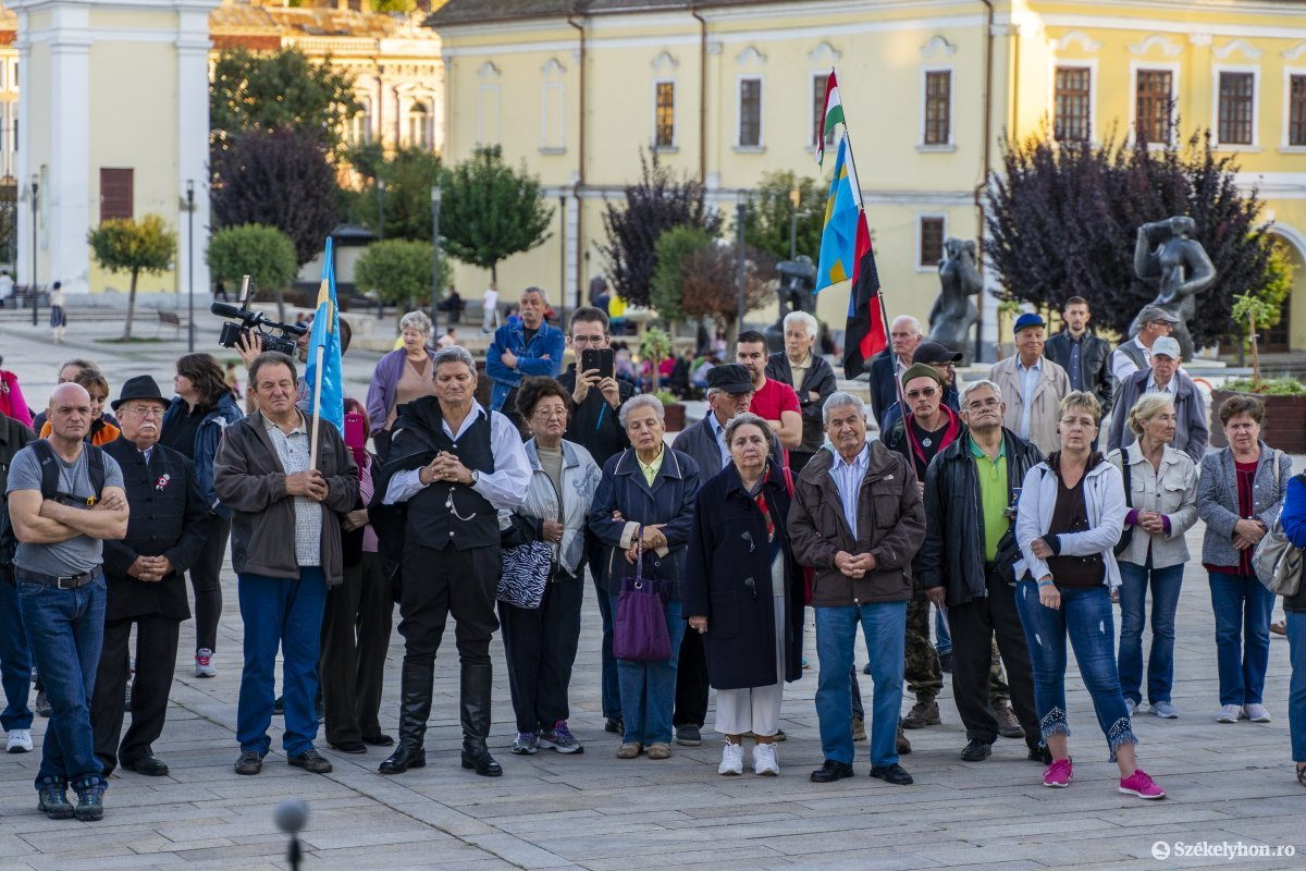 https://media.szekelyhon.ro/pictures/vasarhely/aktualis/2019/03_oktober/o_nebantsd_a_magyart_17_hv.jpg