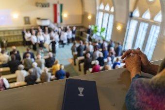 """""""Új normalitás"""" közepette nyitnak a templomok"""