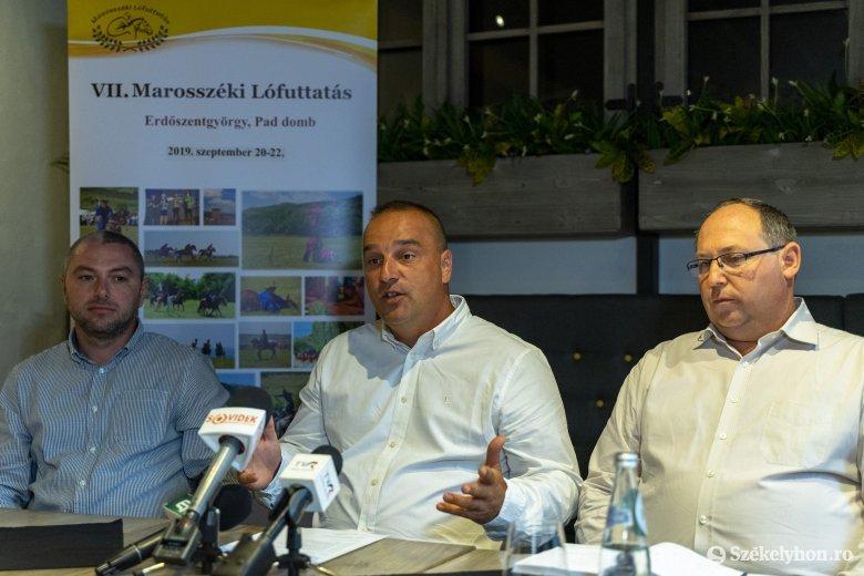 A Rhédey-kiállítótértől a Marosszéki Lófuttatásig – négyes ünnep zajlik hétvégén Erdőszentgyörgyön