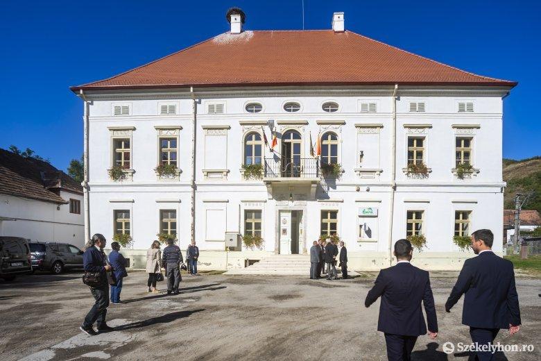 Rhédey-múzeumot avattak Erdőszentgyörgyön – Erzsébet királynő ükanyjának is emléket állít a kiállítótér