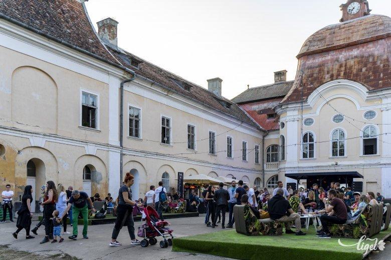 Élet a gernyeszegi Teleki-kastélyban – A rezsón főzött grófi ebédtől az európai színvonalú zenei fesztiválig