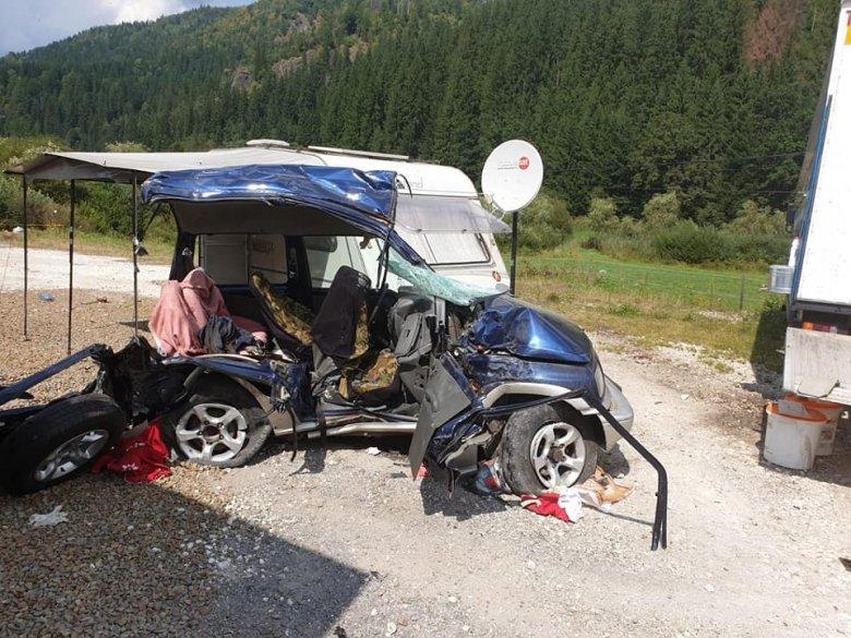 Hárman haltak meg egy balesetben, köztük egy kiskorú is