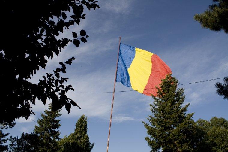 Elfogadta a szenátus a zászlótörvény román lobogót védő módosításait