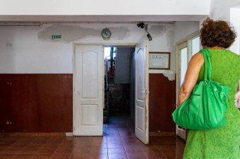 """Törvénymódosítás: hamarosan megkaphatják a """"járványpótlékot"""" a szociális otthonok dolgozói"""
