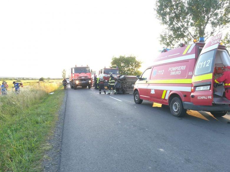 Két gépkocsi ütközött, négyen sérültek meg