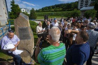 A vásárhelyi volt téglagyár helyén avattak emlékművet a világháborúban elhurcolt zsidóknak