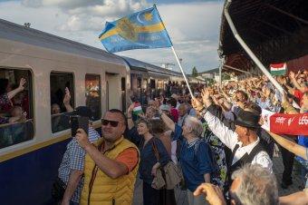 Marosvásáhelyen fogadták a Boldogasszony-zarándokvonatot