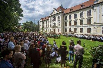 Érvénytelenítette a marosvásárhelyi bíróság a katolikus gimnáziumot újralétesítő miniszteri rendeletet