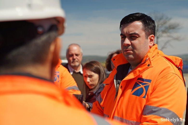 """""""Kiakasztotta"""" a Maroskece–Aranyosgyéres közötti autópálya-szakasz a szállításügyi minisztert"""
