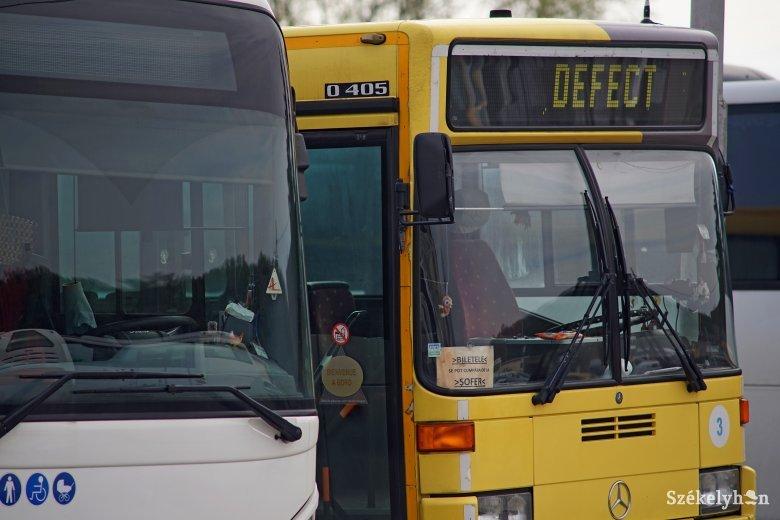 Késve indultak a buszok, sztrájkoltak a sofőrök