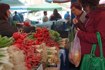 Bőséges a kínálat a székelyföldi piacokon húsvét előtt