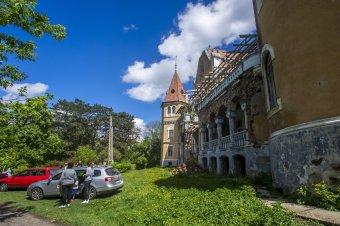 Folytatódik a mezőzáhi Ugron-kastély felújítása