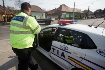 """Eljárás a sofőr ellen: volt valami """"plusz"""" a leheletében, és hiányzott valami az irattartójából"""