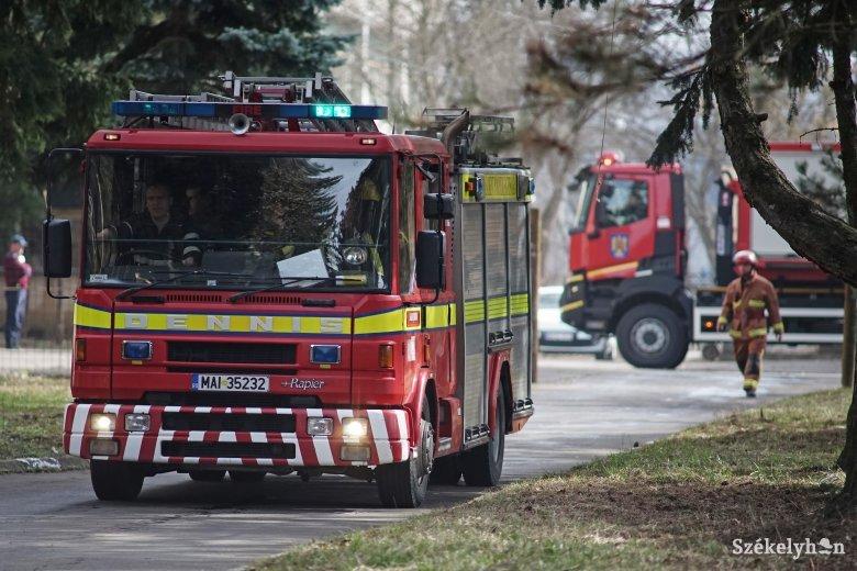Tűz ütött ki a tanulmányi ház alagsorában működő kifőzdében, a gyerekek el kellett hagyják a tantermeket