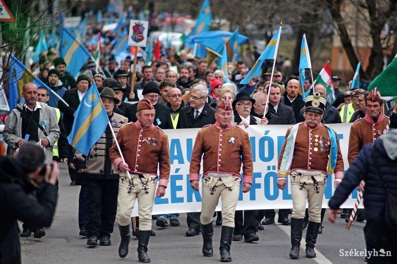 Románia parlamentjében tárgyalnak az autonómiastatútumról