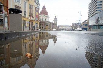 Kilátás Marosvásárhelyre: a frontváros történelmi-politikai kontextusban