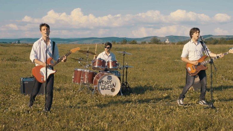 Közönségkedvenccé váltak a Teddy Queen-dalok – Interjú a gyergyószentmiklósi zenekar basszusgitárosával