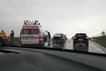Két személygépkocsi ütközött Marosludason