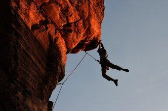 Repülni a világ fölött: saját határaikat keresik a hegymászók